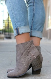 How to wear ankle length boots with denims
