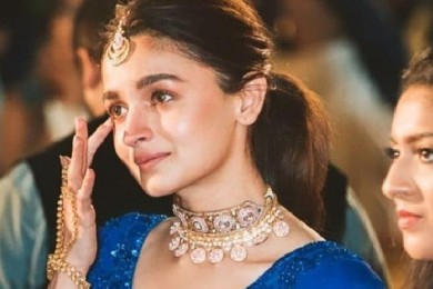 Alia Bhatt Is A Perfect Bridesmaid Which A Bride Can Ask For