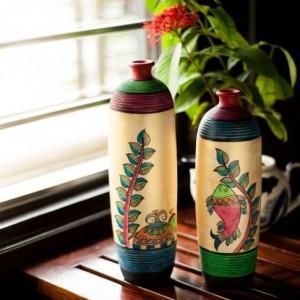 Earthen pots for home decoration