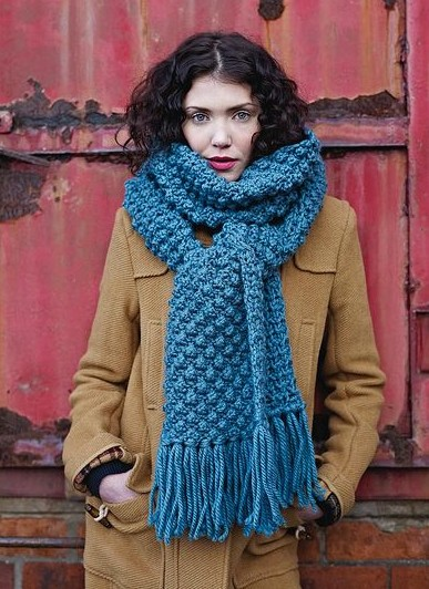 The knitted scarf