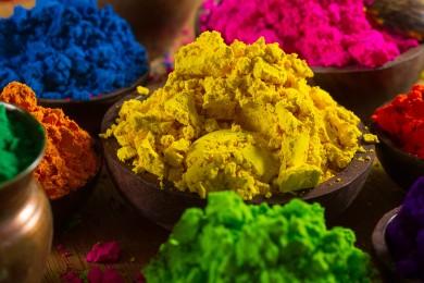 This Holi Make Herbal Colors At Home