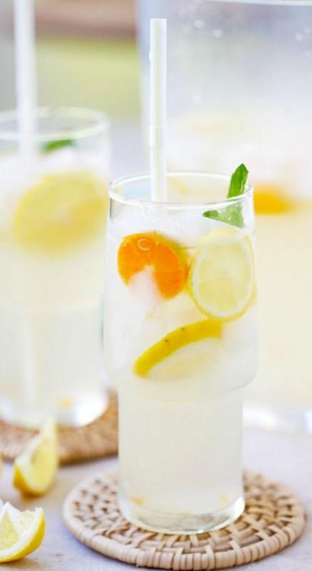 Coconut water lemonade