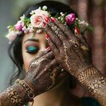 8 Pictures Which You Can Pose For At Your Mehndi Function
