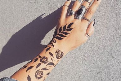 Abstract Mehndi Designs Using Floral And Leaf Patterns