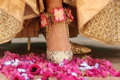Floral jewelery for the brides