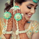 6 Floral Accessories Which You Can Not Miss Wearing At Your Wedding