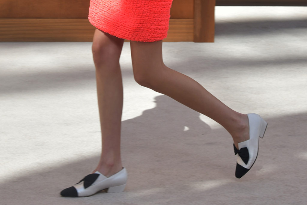 How to fight footwear or shoe odor