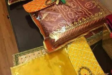 Saree packing styles