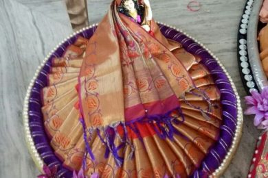Saree packing styles