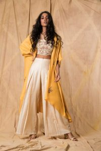 Long cape with pants and top