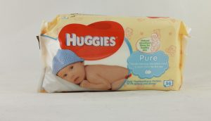 Unusual life hacks with wet baby wipes