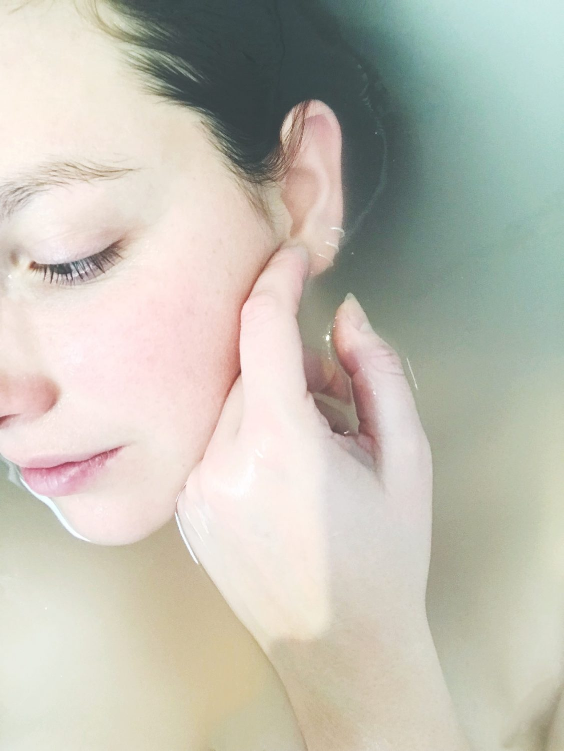 Protect skin from air pollution
