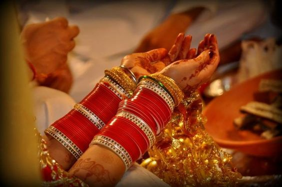 Red color choora for the Indian brides