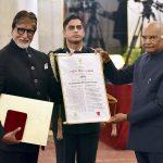 Amitabh Bacchan Honored With 50th Dadasaheb Phalke Award At The Rashtrapati Bhawan
