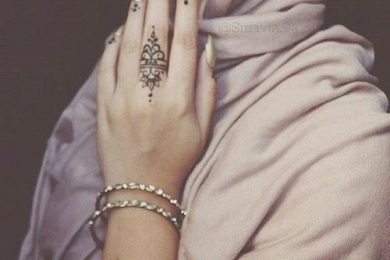 6 Very Basic And Simple Mehndi Designs For Modern Women