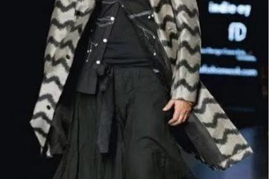Dinesh Mohan, senior male model walking the ramp