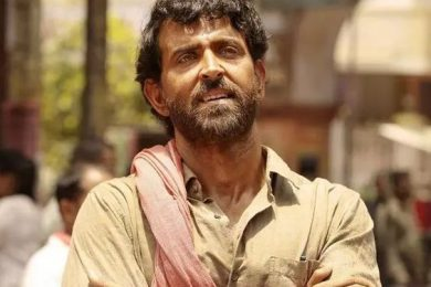 Hrithik Roshan felicitated with the best actor award at Dadasaheb Phalke International Film Festival for the film Super 30