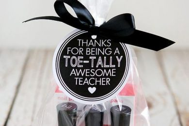 This Valentine's Day, Thank Your Teachers With These Heartwarming Gift Ideas