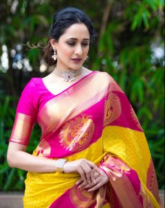 Wearing plain saree with matching jewellery