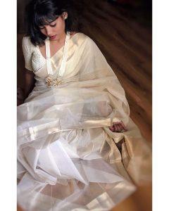 Wearing plain saree with matching jewellery