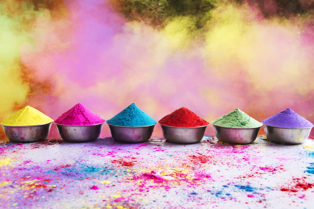 Make natural holi colors at home