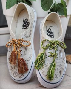 Embellishing white sneakers DIY