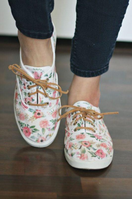 Embellishing white sneakers DIY