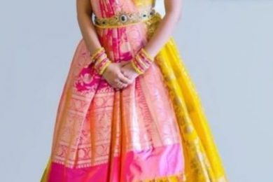 Lehnga choli designs which you can make from old saree's