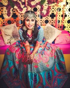 Modern maangtika for the brides