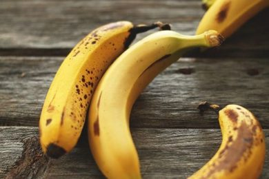 Banana hair mask for dull and frizzy hair