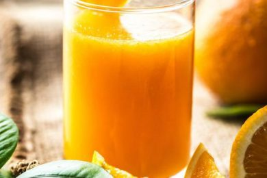 Keep your body healthy and young with these fresh juice recipes loaded with Vitamin C