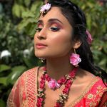 Colored Eyeliner looks for the Indian brides