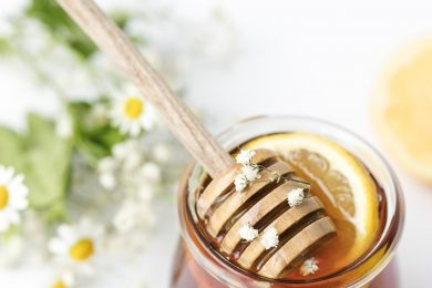 This Anti Ageing Honey Facial Will Bring Instant Glow To Your Face