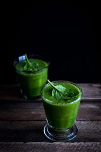 Apple cucumber spinach juice for winters