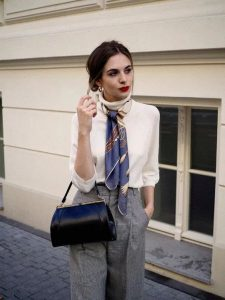 How to wear a printed scarf with turtle neck in winters