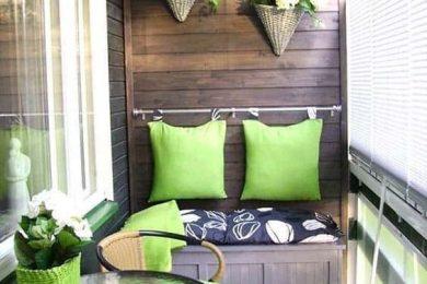 4 Ways To Decorate Balcony Walls