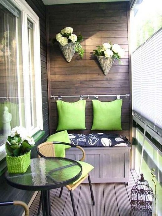 How to decorate balcony walls
