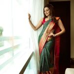 5 Ways To Pick A Sleeveless Blouse With A Traditional Saree