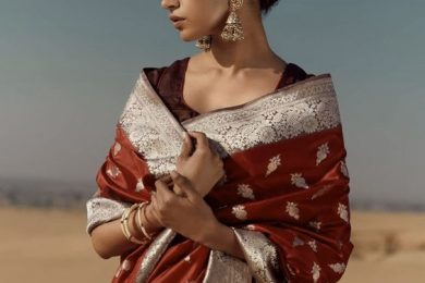 The Trend Says When You Wear A Saree, Give Your Neckpiece a Miss And Go For Bold Earrings Instead