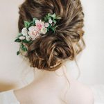 5 Ways to style a bun with floral accessories