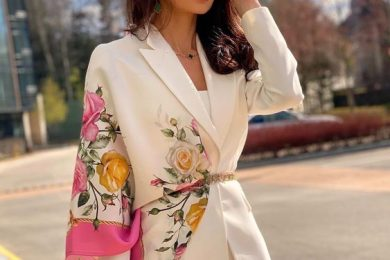 5 Ways to wear scarf with a pantsuit