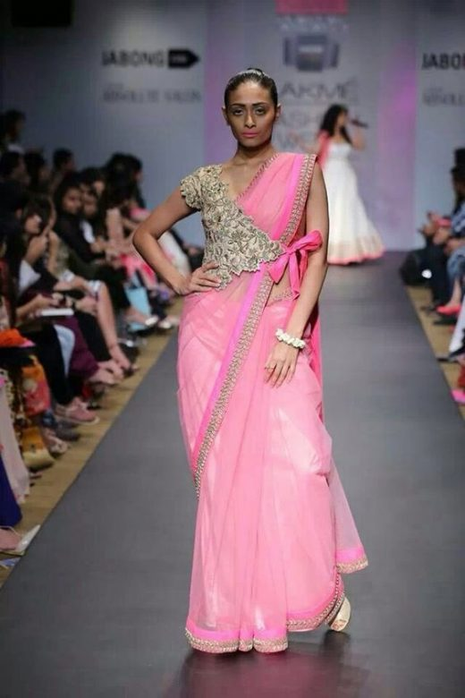 Ways to secure a saree palla