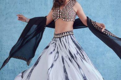 Madhuri Dixit Nene flaunts a tie and dye lehnga-Threads-WeRIndia