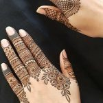 5 Heena Designs For Fingers Which Look Surreal