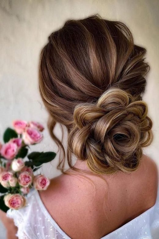 Bun hairstyle for Indian dresses