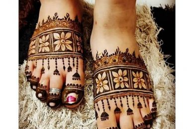 Simple and quick Mehndi designs for foot-Threads-WeRIndia