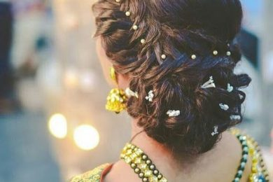 4 Bun Hairstyle For Those Who Love Minimal Fresh Flower Detailing
