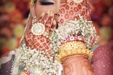 Fresh Flower Bracelets For The Bride's To Be