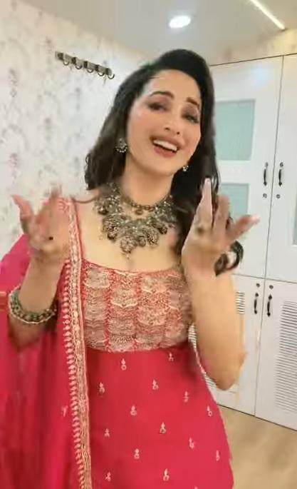 Madhuri Dixit Nene wishes Happy Janmashtami